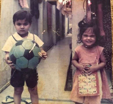 Richa Chadha Childhood Pic With her Brother