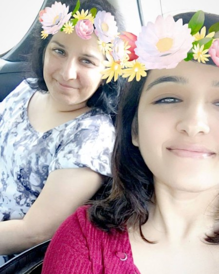 shirley setia mother images (1)